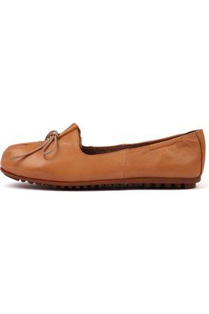 Django & Juliette Ballad Tan Shoes Womens Shoes Casual Flat Shoes