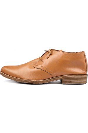 Django & Juliette Women Casual Shoes - Karaf Tan Shoes Womens Shoes Casual Flat Shoes