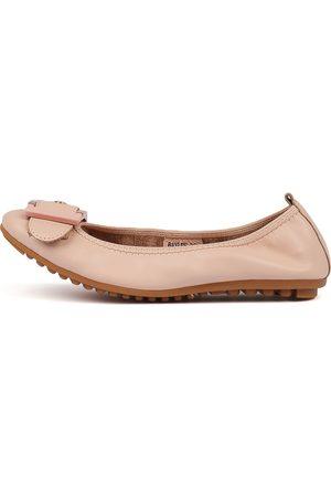 Django & Juliette Women Flat Shoes - Baylee Nude Shoes Womens Shoes Flat Shoes