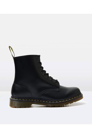 Dr. Martens 1460 8 Eye Smooth Boot