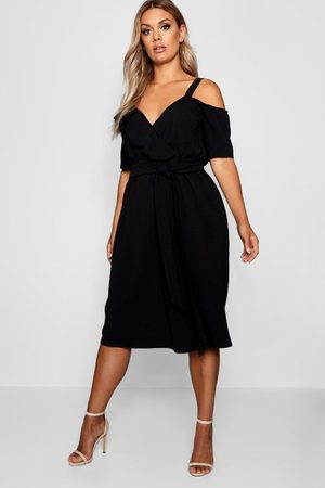 Boohoo Plus Plunge Ruffle Belt Midi Dress