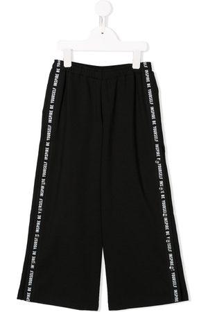 Le pandorine Girls Joggers - Side striped track pants