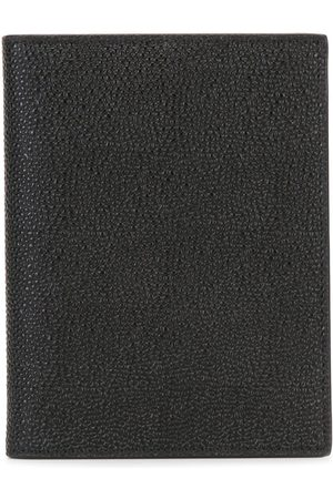 Thom Browne Passport Holder In Pebble Grain