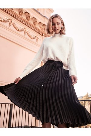 Forever New Cassie Elasticated Pleated Skirt